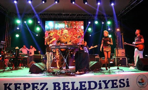 Kepez'de Ümit Besen ve Pamela Rüzgârı