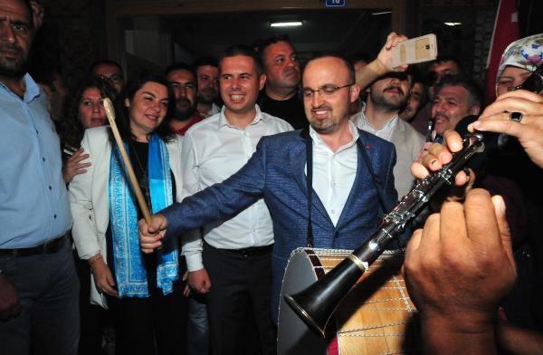 AK Parti'den Davullu Zurnalı Kutlama