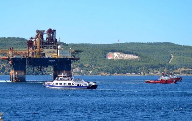 Dev Platform Çanakkale Boğazı'nı Gemi Trafiğine Kapattırdı