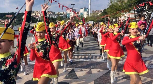 Uluslararası Troya Halk Dansları Festivali Başladı