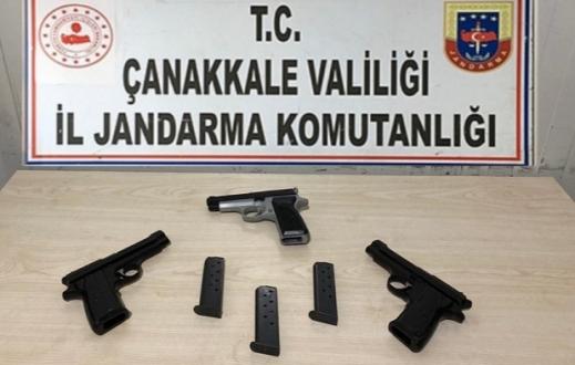 Silah Kaçakçısı Biga'da Yakalandı